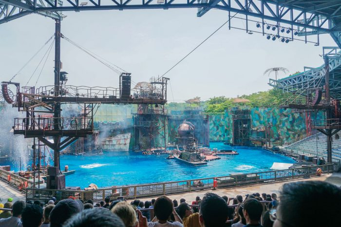 Waterworld stunt show